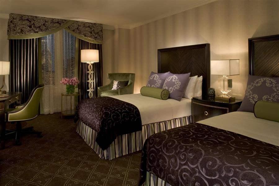 Palmer House Hilton Twin Room