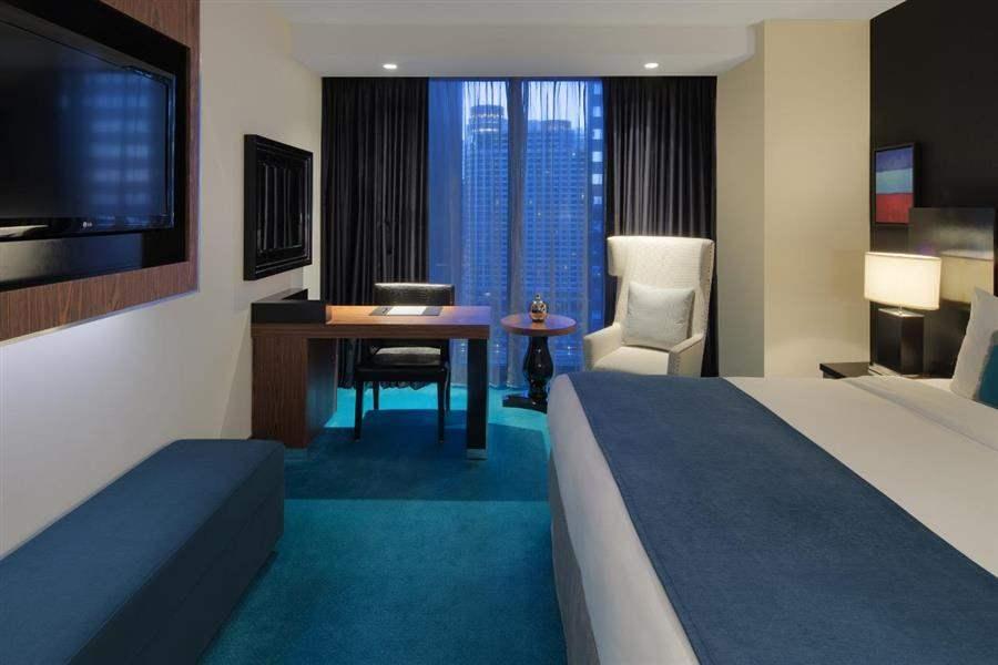 Radisson Blu Aqua Hotel Mansion House Room Two