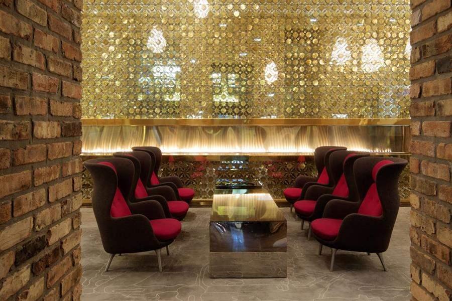 Radisson Blu Aqua Hotel Lobby