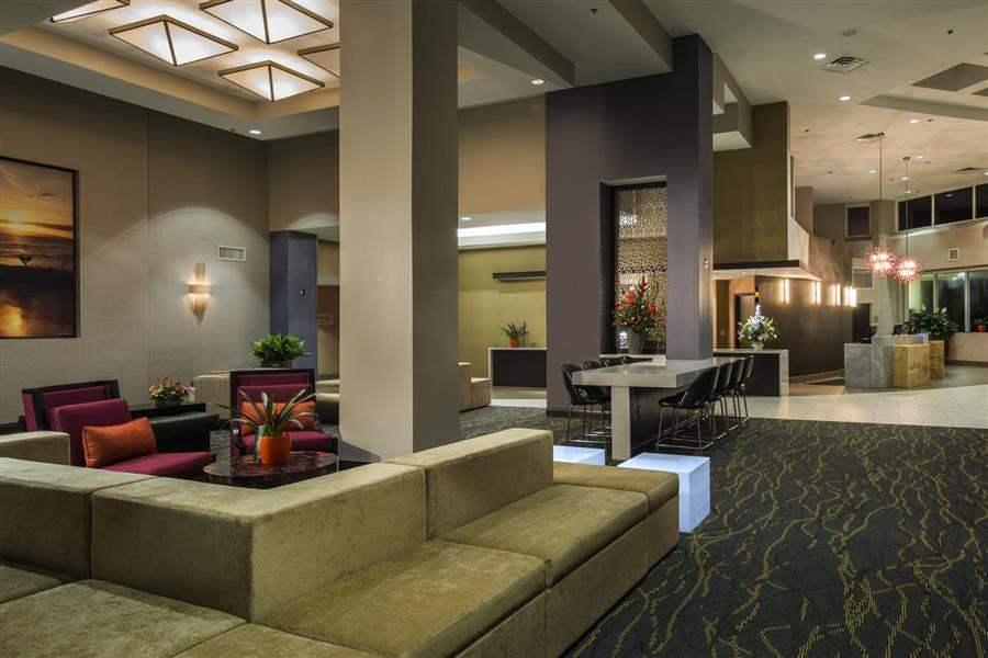 Hilton Cocoa Beach4 Lobby Area