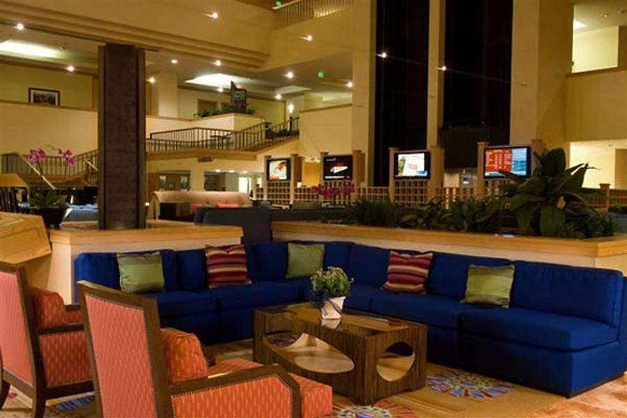 Renaissance Denver Hotel Lounge