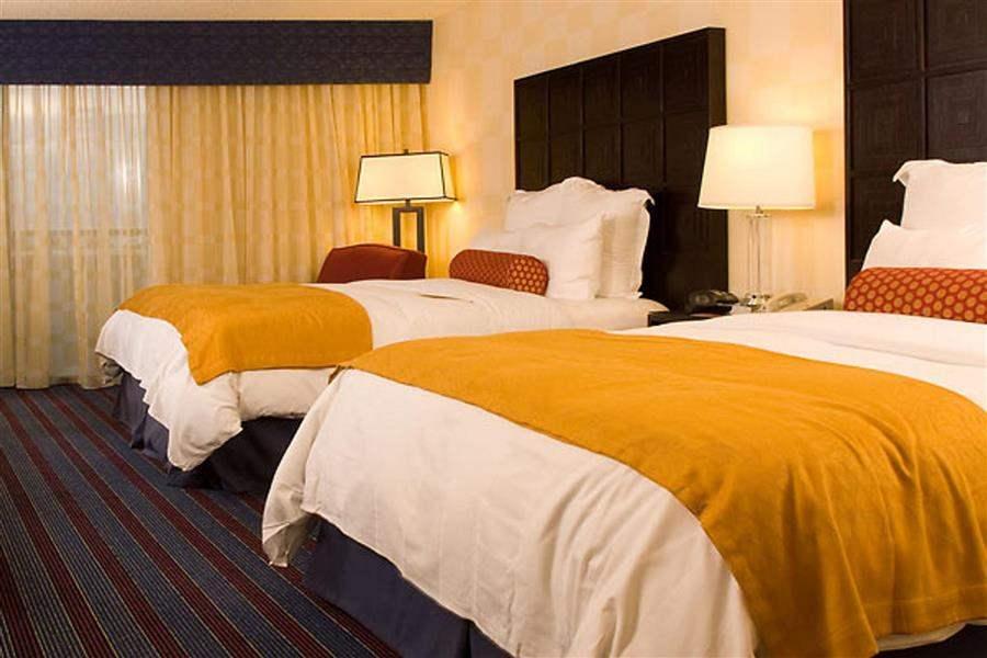 Renaissance Denver Hotel Twin