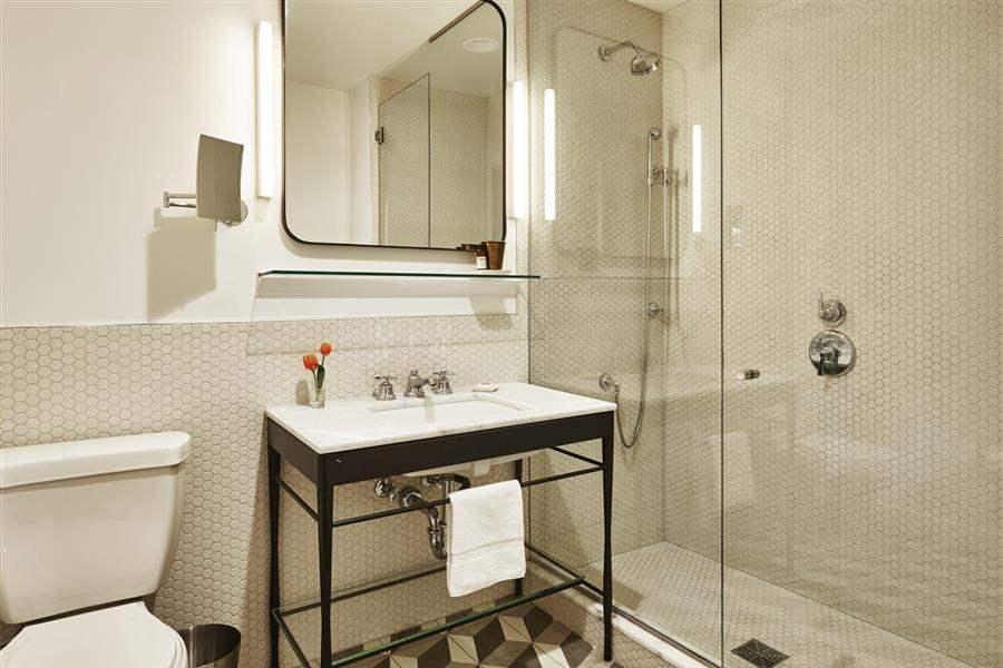 Hollywood Roosevelt Bathroom