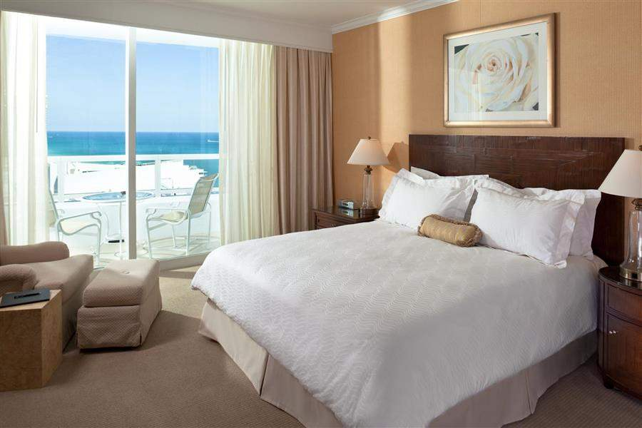 Fontainebleau Miami Beach Tresor One Bed