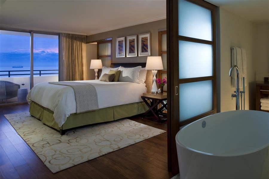 Loews Miami Beach Hotel Vice P Res Oceanfront