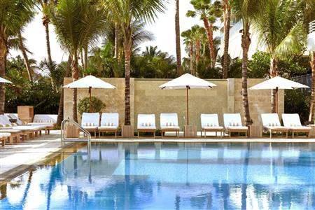 Royal Palm South Beach Pool