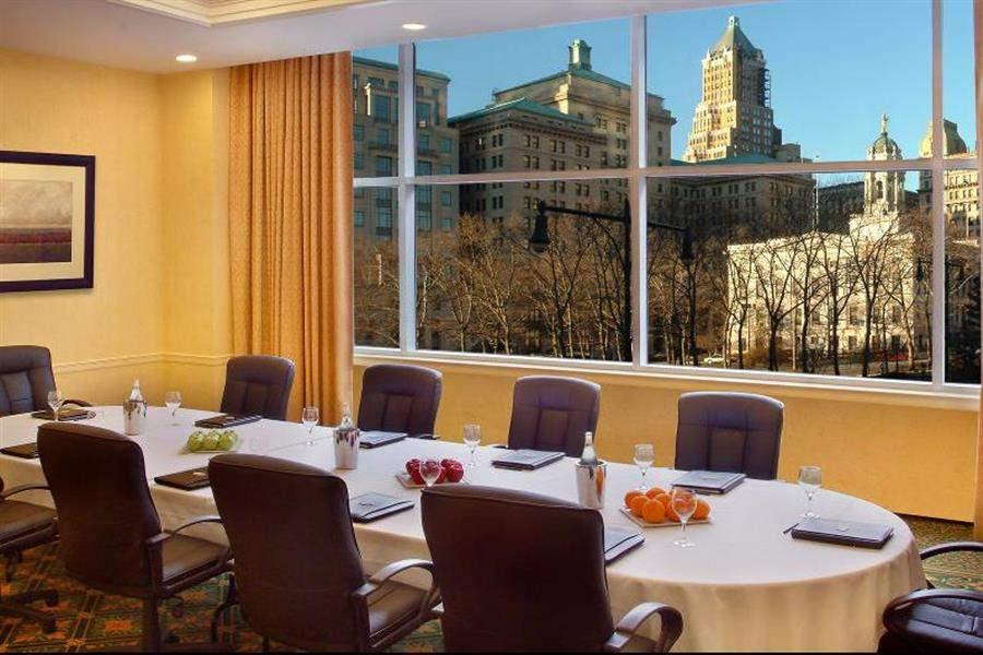 Marriott New Yorkatthe Brooklyn Bridge Boardroom