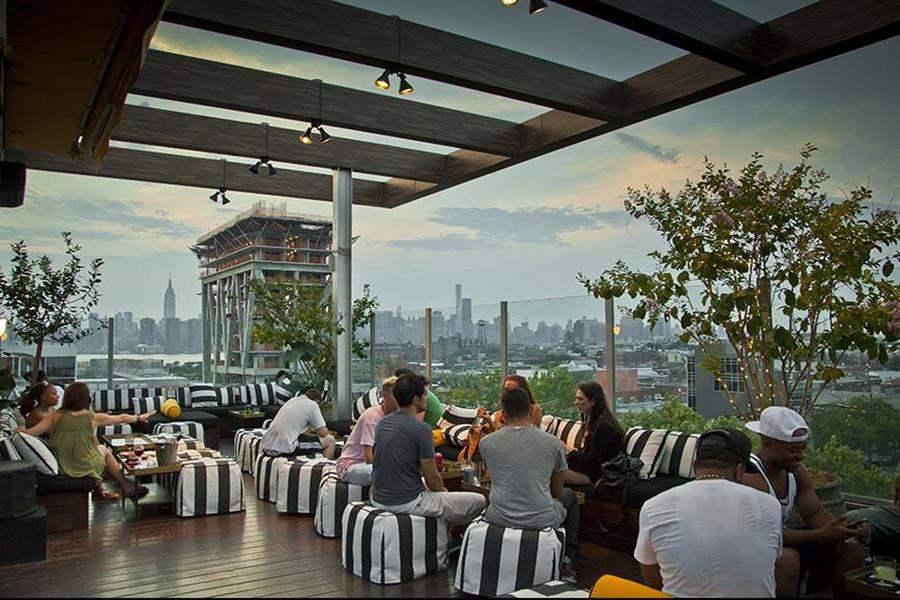 Mccarren Hotel Pool Rooftop Bar