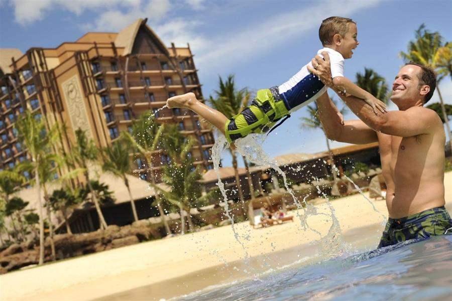 Aulani Disney Resort Spa Family