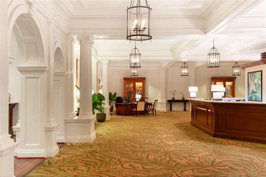 Moana Surfridera Westin Resort Lobby