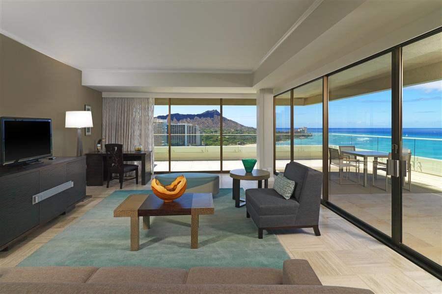 Moana Surfridera Westin Resort Penthouse Ocean Suite