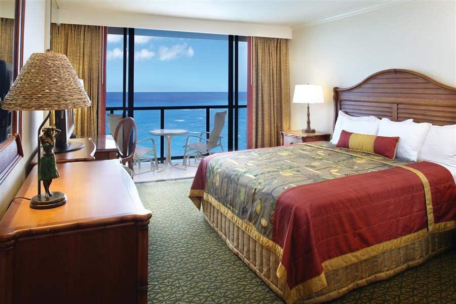 Outrigger Waikikionthe Beach Oceanfront