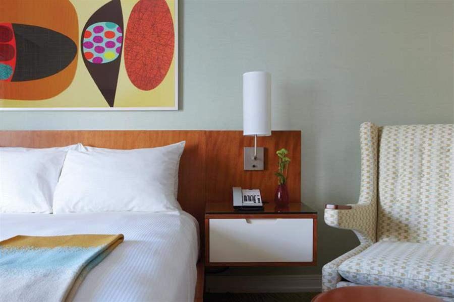 Shoreline Hotel Waikiki Guestroom Detail