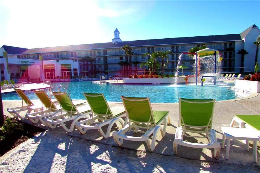 Avanti Resort Sunloungers