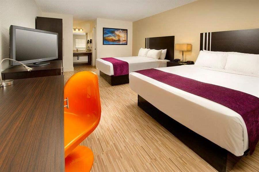 Avanti Resort Twin Room