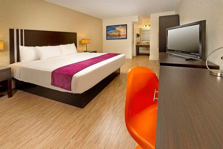 Avanti Resort Double Bedroom