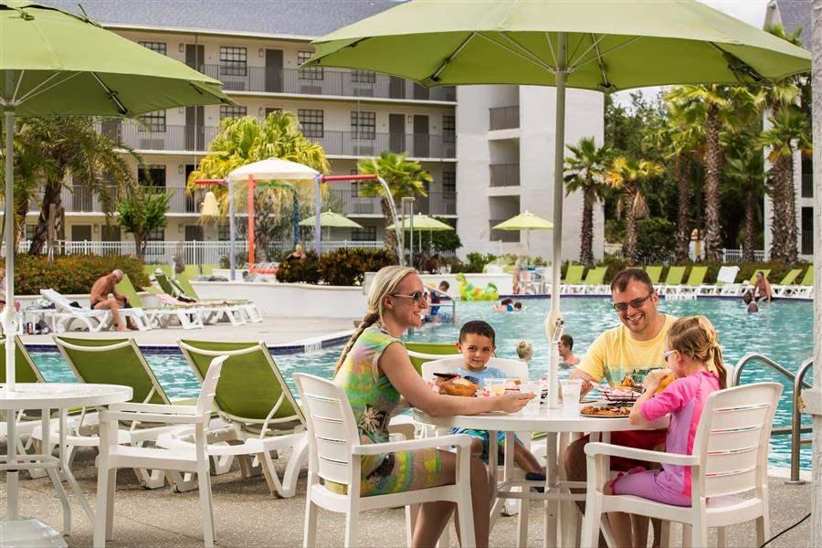 Avanti Resort Pool Dining