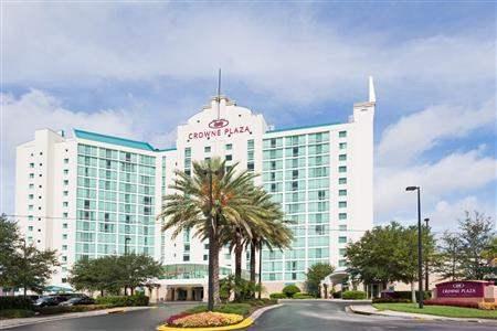 Crowne Plaza Orlando Universal Hotel Exterior