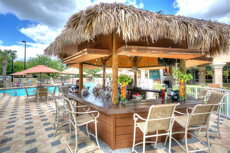Crowne Plaza Orlando Universal Pool Bar
