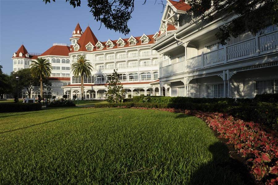 Disneys Grand Floridian Resort Spa Hotel Grounds