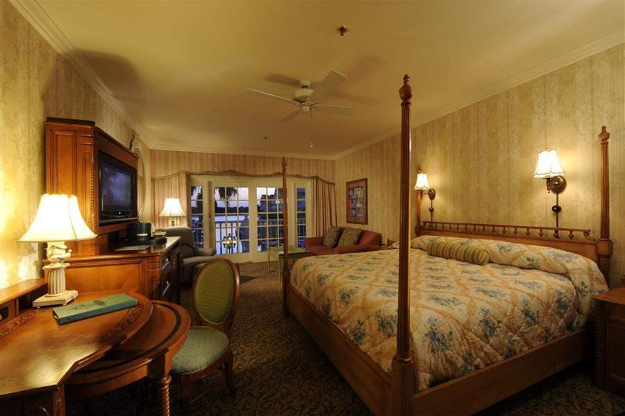 Disneys Grand Floridian Resort Spa Guest Interior