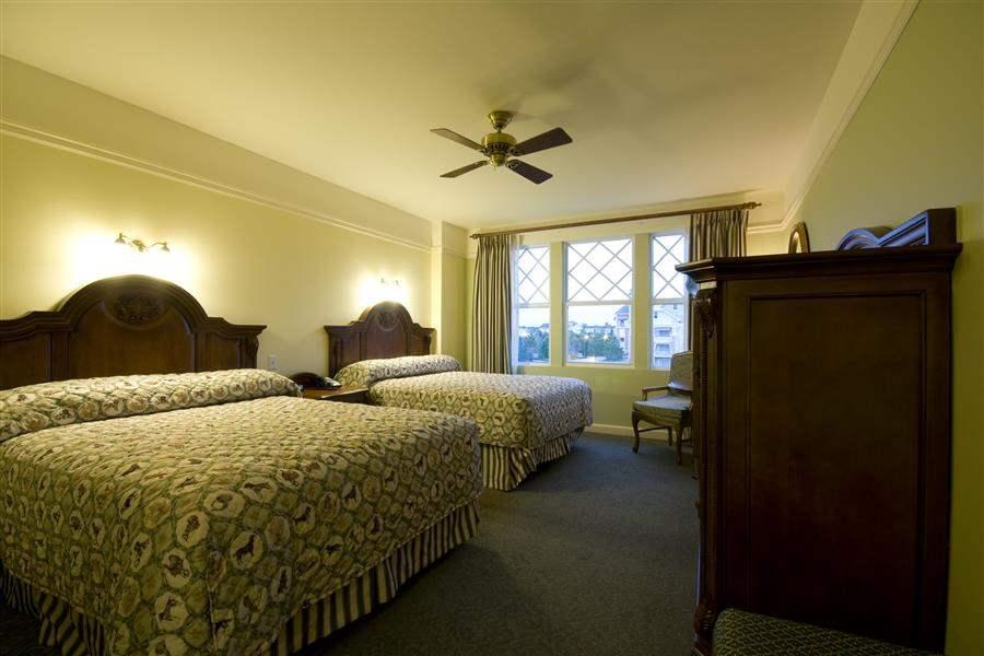 Disneys Saratoga Springs Resort Spa Twin Guest Room