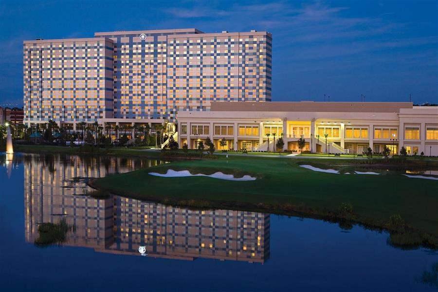 Hilton Orlando Bonnet Creek Hotel Exterior Night