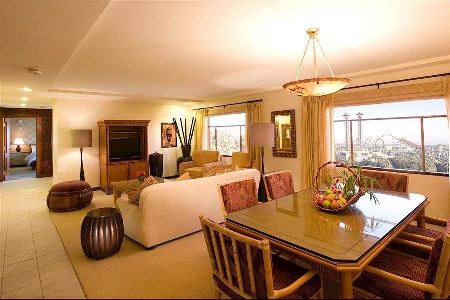 Loews Portofino Bay Hotelat Universal Orlando Living Room