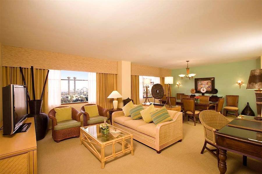 Loews Royal Pacific Resortat Universal Orlando Lounge Interior