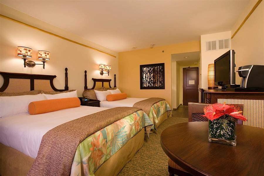 Loews Royal Pacific Resortat Universal Orlando Twin Bedroom