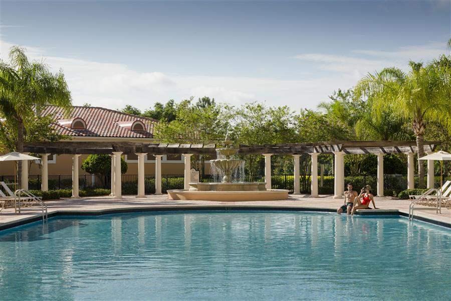 Rosen Shingle Pool