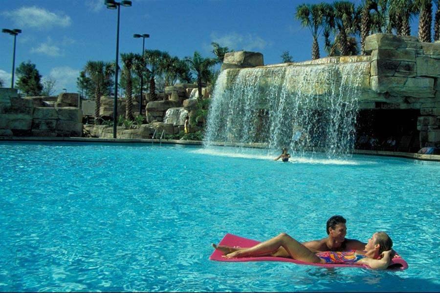 Walt Disney World Swan Resort Swimming Pool