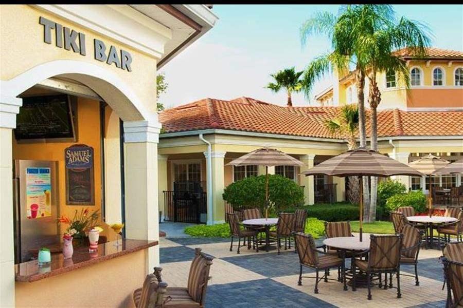 Worldquest Resort Orlando Tiki Bar
