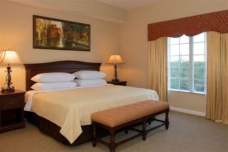 Worldquest Resort Orlando Bedroom Interior