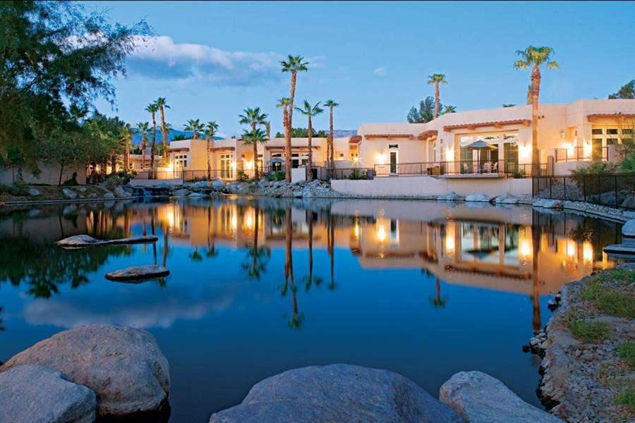 Hyatt Regency Indian Wells Resort Spa Exterior Night