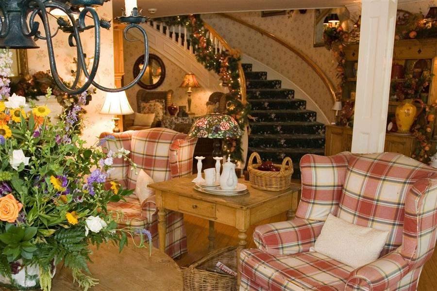 Apple Farm Lobby Lounge