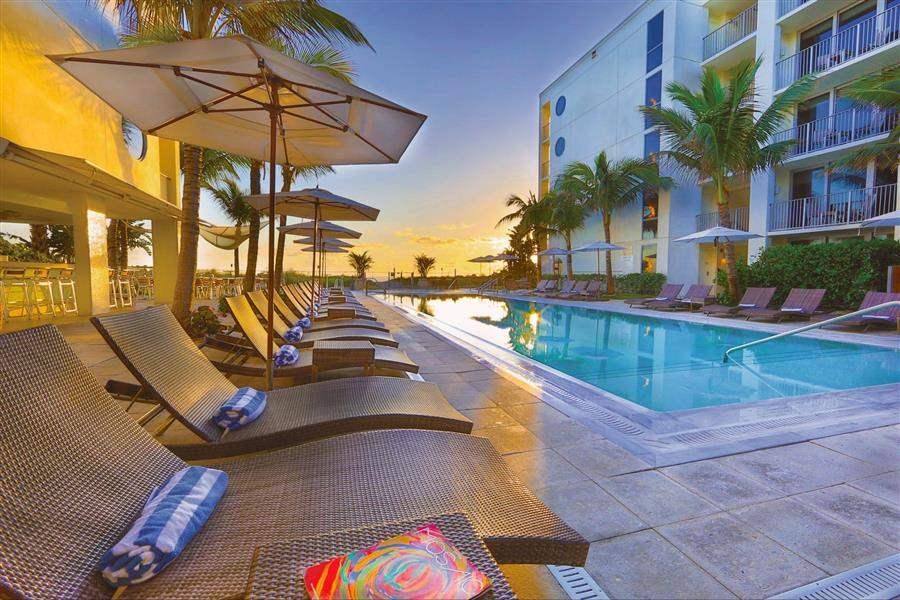 Costad Este Beach Resort Pool